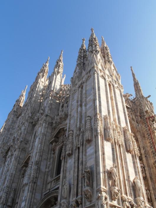 Milano, il Duomo. Particolare della facciata, lato est