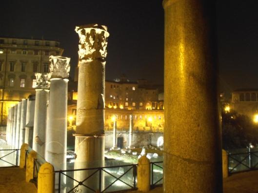 Roma, 20 dicembre 2015. Illuminazione notturna del Foro di Traiano